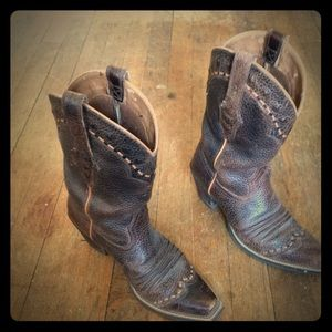 Ariat Shoes - Ariat Cowgirl boots